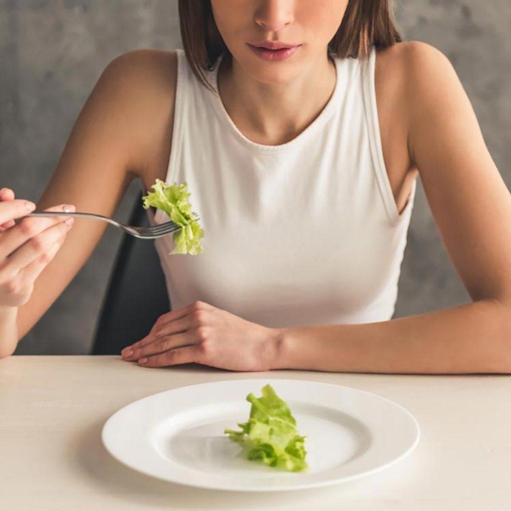 غذا خوردن با بیماری لرزش