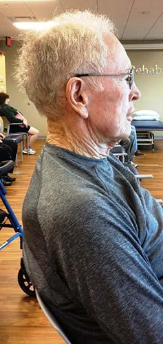 ورزش چانه برای جلوگیری از خم شدن گردن به جلو